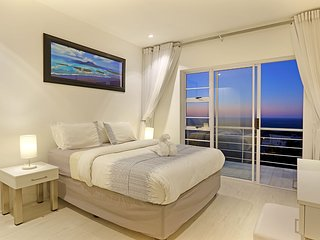 Panoramic Ocean and mountain Views penthouse unit - Camps Bay vacation rentals