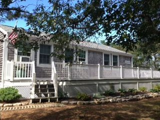 Nice 3 bedroom Massachusetts Cottage with Deck - Massachusetts vacation rentals