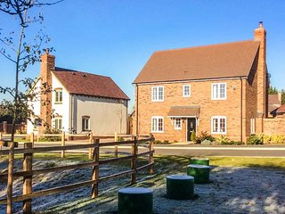 FAIRWAYS modern, detached, en-suite, garden in Welford-on-Avon, Ref 948201 - Welford on Avon vacation rentals