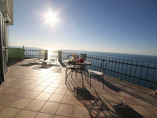LOFT WITH TERRACE AND BEAUFIFUL SEA VIEW | AP03 - Poggi vacation rentals
