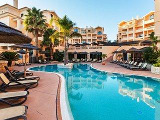 1 Bed Flat at Estrela da Luz Spa Resort. Sleeps 4. Views over the pool & garden - Luz vacation rentals