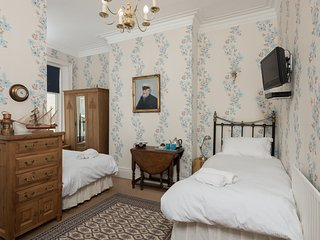 Twin studio room ensuite  in stunning seaside location - Whitley Bay vacation rentals