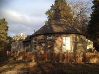 Knockshannoch Lodge - Unique B listed round thatched cottage - Kirkton of Glenisla vacation rentals