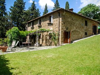 Perfect 3 bedroom Radda in Chianti House with Internet Access - Radda in Chianti vacation rentals