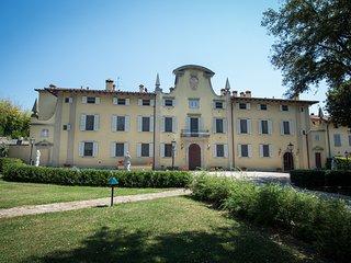 Villa Gerini - Appartamento Peonia - Ronta vacation rentals
