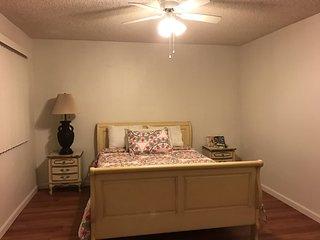 Furnished 2-Bedroom Apartment at Glenoaks Blvd San Fernando - San Fernando vacation rentals