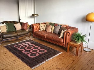 Beautiful Spacious West End 2 bed - Glasgow vacation rentals