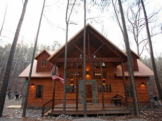Copper Spa Lodge (Sleeps 14, 3 Master, 1 Bunk Room, Games, Wet Steam Room) - Broken Bow vacation rentals