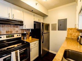 Charming 1BD 1BA Condo NR Perimeter - Sandy Springs vacation rentals