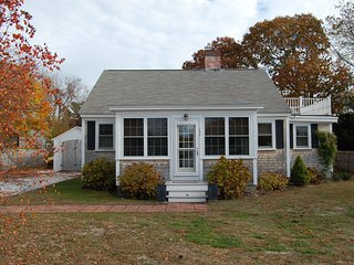 156 Berry Ave - ID# 831 - UPDATED CLASSIC CAPE COD HOME-2/10 TO BEACH - West Yarmouth vacation rentals