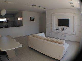Apartamento na Atalaia 116 m2 p/ 2 casais podendo adicionar mais 4 pessoas. - Aracaju vacation rentals