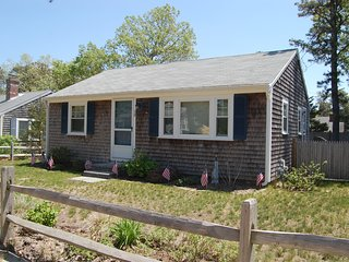 30 Shirley Ave - ID# 122 - Cute cottage that's Dog Friendly - Dennis Port vacation rentals