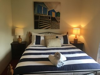 Unwind @ 'Sea Breeze' - Pet Friendly - Middleton - Middleton vacation rentals