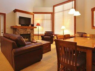 Fernie Timberline Lodges 2 Bedroom Platinum Condo + Hot Tub - Fernie vacation rentals