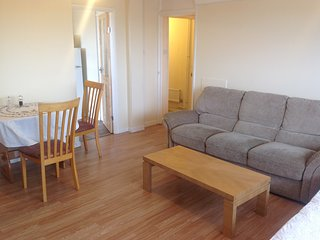 London, 2 bedroom flat with 24 hours public transport on Central Line - Brentford vacation rentals