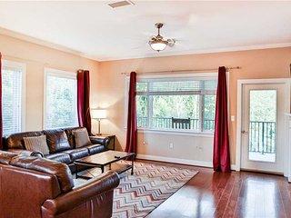 Perfect Condo with Deck and Internet Access - Gatlinburg vacation rentals
