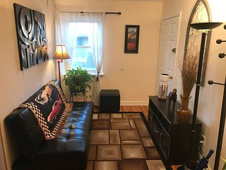 *Room Near NYC/Newark Airport/ Jersey Gardens Outlet Mall* - Hillside vacation rentals