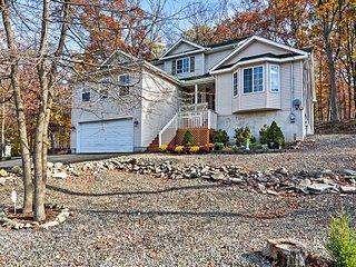 Charming 4BR Bushkill House w/Wooded Setting! - Bushkill vacation rentals