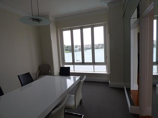 KIRR6 - Waterfront 3 bedroom executive apartment - Kirribilli vacation rentals