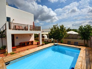 4 bedroom House with Internet Access in Ses-Paisses - Ses-Paisses vacation rentals