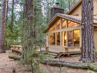 Family-friendly cabin w/ shared hot tub & pool! Half-mile to Glaze Meadow! - Black Butte Ranch vacation rentals