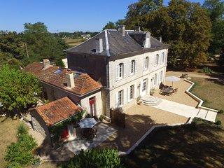 The Gite at Villa Magnieu - 4 bedrooms. Large pool. 3 acres of mature gardens. - Saint-Medard-de-Mussidan vacation rentals