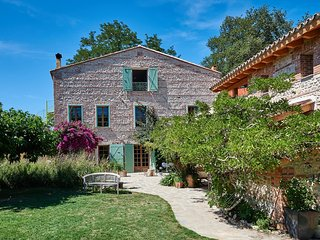 Mimosa House - Heated Pool - Child friendly gardens - Beach 10mins - Perpignan vacation rentals