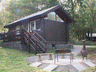 Seil Cabin close to shore of Loch Awe - Dalavich vacation rentals