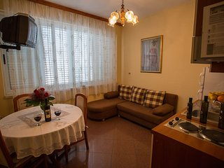 Nice Condo with Television and Water Views - Orebic vacation rentals