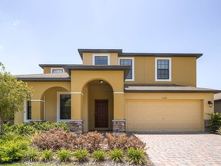 1038CYP - Cypress Pointe Gated Community - Davenport vacation rentals