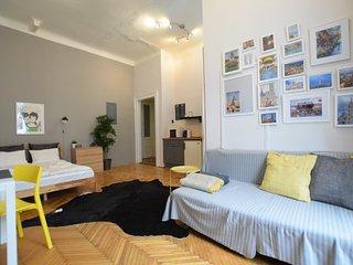 Hi5 Apartment 04 - Budapest vacation rentals
