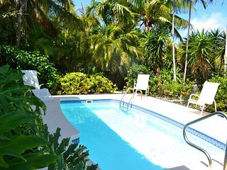 P85 ~ Smooth Sailing - Tropical Single Family, pool home - Marathon vacation rentals
