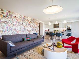 Biarritz Centre Exceptional Beachfront Modern 2 Bed-Apartment - Biarritz vacation rentals