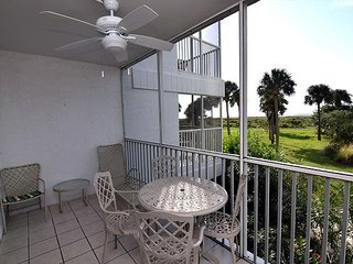 Gulf front resort style 2 bedroom condo - Captiva Island vacation rentals