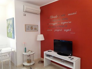 2 bedroom Apartment with Washing Machine in Fuorigrotta - Fuorigrotta vacation rentals
