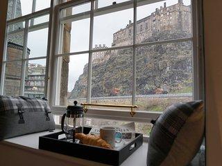 Grassmarket, Castle Heights, Stunning Views - Edinburgh vacation rentals