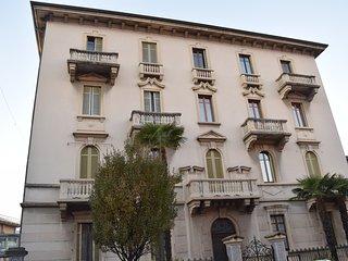 Romantic 1 bedroom Condo in Luino - Luino vacation rentals