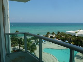 Beach Front & View 2 bed - GOLD-T06 - Hollywood vacation rentals