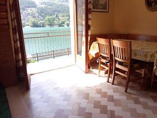 L'incanto di una vista sul lago di Scanno con camino e giardino - Scanno vacation rentals