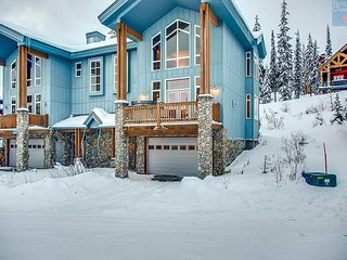 Better than a pot of gold, Rainbows End is the ideal property for up to 12! - Big White vacation rentals