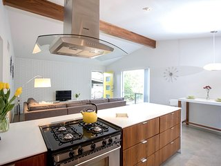 Stunning Urban Oasis Near SoCo & Downtown - Austin vacation rentals
