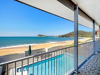 """Absolute Beachfront with Pool"" - Pearl Beach vacation rentals"