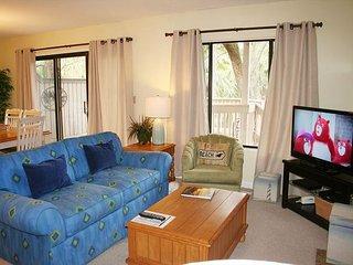 2 Bedroom * Pet Friendly * Single Level Villa & Easy Walk to the Beach! - Hilton Head vacation rentals