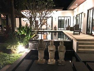3 BR Thai Balinese Aelita Villa: Your dream villa in Phuket paradise - Cherngtalay vacation rentals