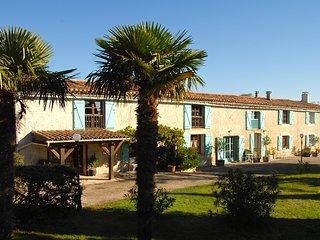 Domaine Saladry - Les Acacias 4 bedroom luxury Gite - Villepinte vacation rentals