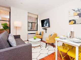 Fantastic Luxurious One Bedroom - Near Macy's/Ms Garden/Empire State Building - New York City vacation rentals