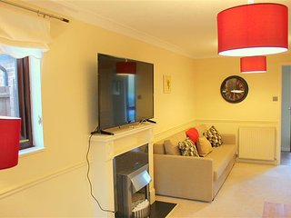 4 bedroom Apartment with Internet Access in Bar Hill - Bar Hill vacation rentals