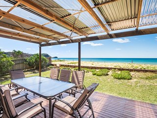SAND IN THE TOES - Fabulous Location-Pet Friendly - Avoca Beach vacation rentals