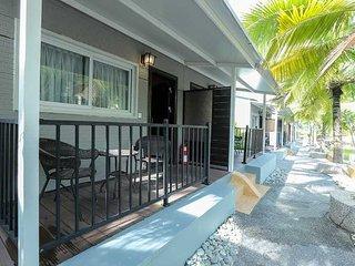 Casa Loma at Airis Sanctuary Resort - Deluxe Room - Pantai Tengah vacation rentals