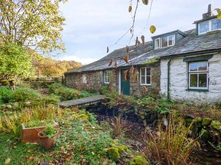 HIGH WALLOWBARROW FARM COTTAGE, stunning views, on a working farm, oil central heating, Broughton-in-Furness, Ref 941443 - Broughton-in-Furness vacation rentals